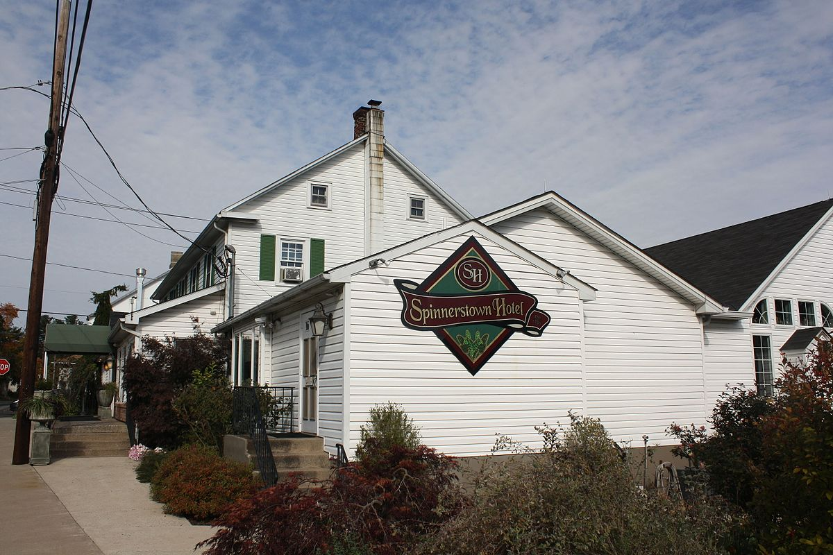spinnerstown_hotel_spinnerstown_pa_2